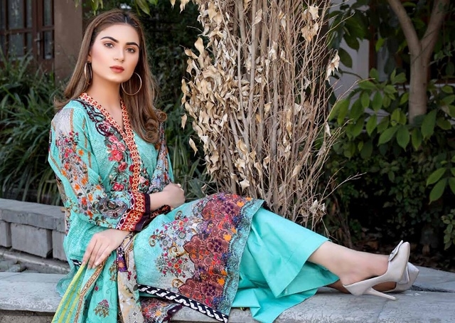 Yashika-Mahnoor-Vol-2-The-Lawn-Collection-8